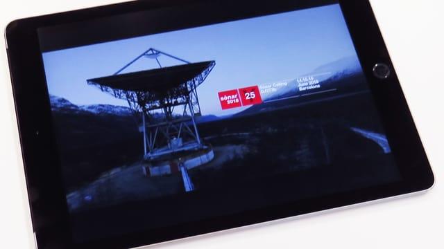 Tablet, auf dem eine grosse Funkanlage zu sehen ist.