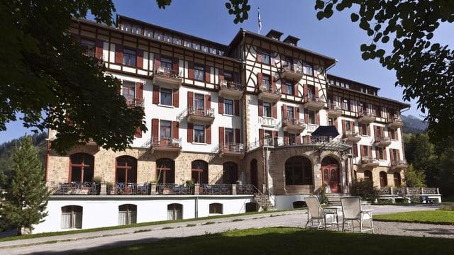 Hotel Kurhaus Bravuogn, maletg simbolic.