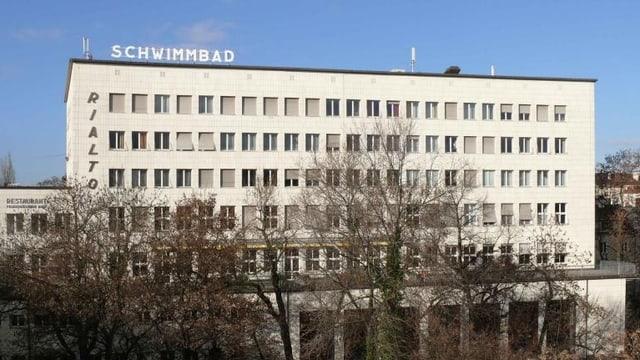Das Gebäude des Rialto in Basel.