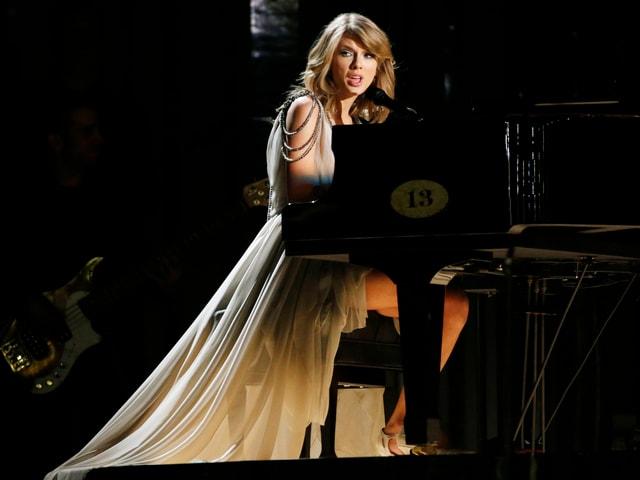Sängerin am Piano