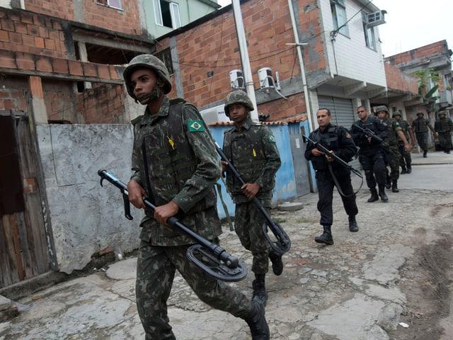 1000 Militärpolizisten im Einsatz.