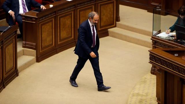 Nikol Paschinjan im Parlament