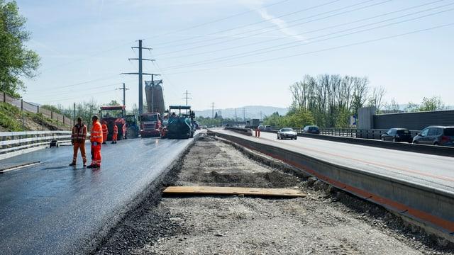 Blick auf die Baustelle zur Nationalstrassen-Erweiterung bei Haerkingen-Wiggertal, am Montag, 5. Mai 2014, in Gunzgen.