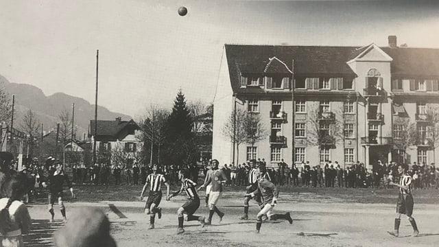 giug da bal l'onn 1920 a Cuira.