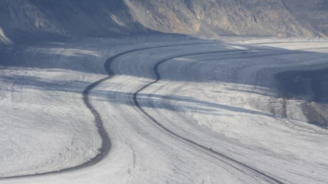 Schmelzwasser von Gletschern muss speziell in der Wasserbilanz berücksichtigt werden.