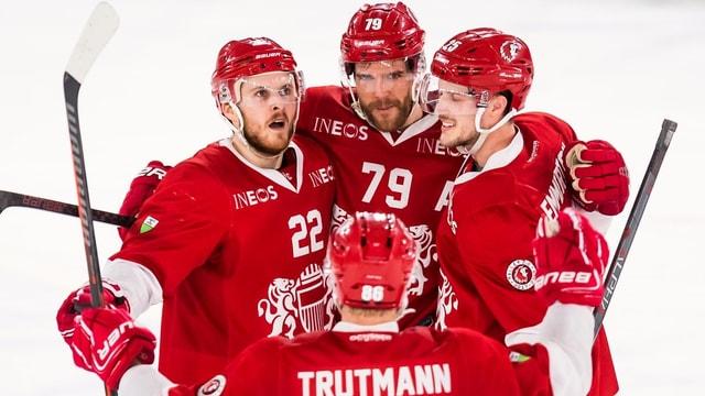 4 giugaders da hockey sa legran da la victoria.