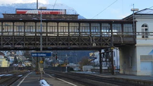 Hochperron der Rigi-Bahn am Bahnhof Arth-Goldau