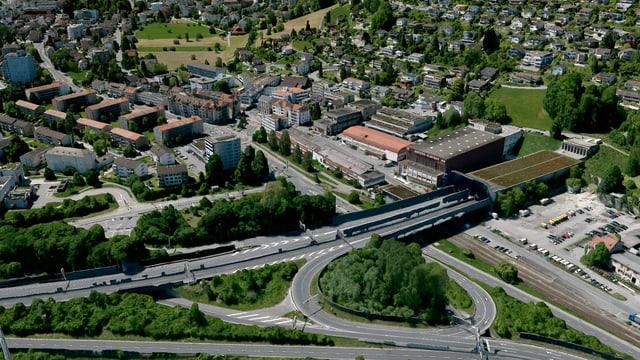 Gebiet Eichhof mit Sonnenberg-Tunnel aus der Luft