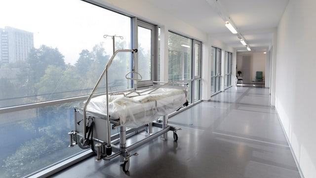 Krankenbett in Spital.