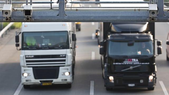 Eine Kontrollbrücke bei Ittigen im Kanton Bern für LSVA-pflichtige Fahrzeuge.