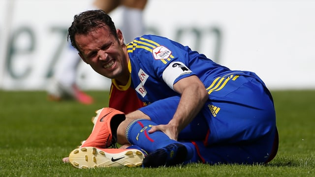 Marco Streller wird seinem FC Basel in Bulgarien nicht helfen können.