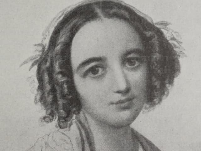 Fanny Mendelssohn hat lockiges Haar.