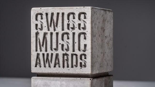 Das gibt es für die nominierten Künstlerinnen und Künstler zu gewinnen: Der legendäre SMA-Betonstein.