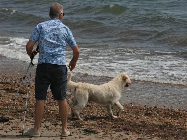 Simon Binner mit seinem Hund