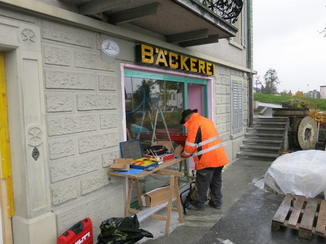 Die Bäckerei ist momentan eine Baustelle. Das Verkaufsgeschäft wird neu gestaltet.