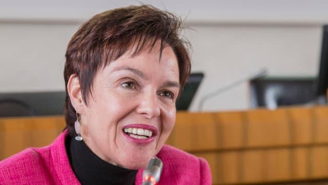 Regierungsrätin Monika Gschwind lächelt