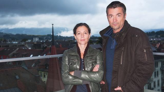Die Schweizer Tatort-Kommissare Liz Ritschard (Delia Meyer) und Stefan Gubser (Reto Flückiger)