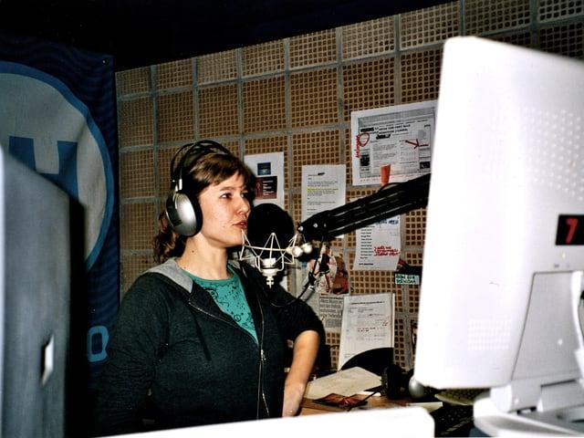 Anic mit 19, als sie sich schwer ins Radiomachen verliebte, damals beim Jugendradio 3FACH in Luzern.