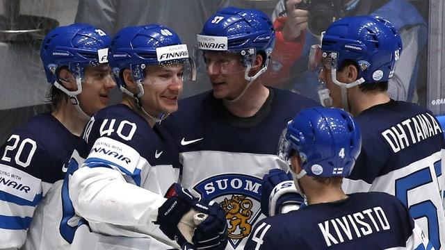 ils hockeyans finlandais fan festa suenter il gieu