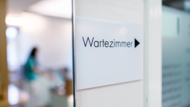 Wartezimmer-Türe