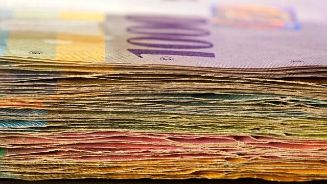 Stapel von Schweizer Banknoten