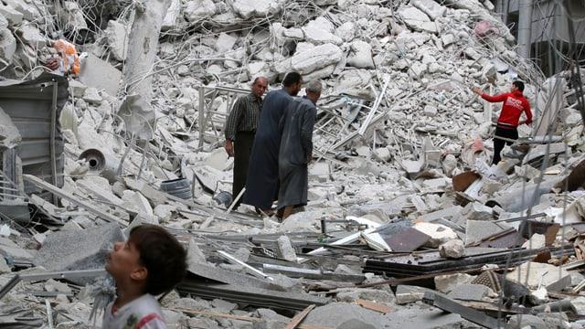 Purtret da ruinas ad Aleppo.