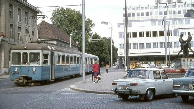Alter Zug auf der Strasse
