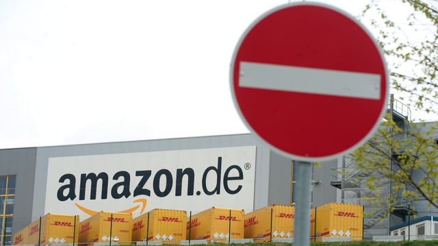 Stoppschild vor Amazon-Firmenvertretung