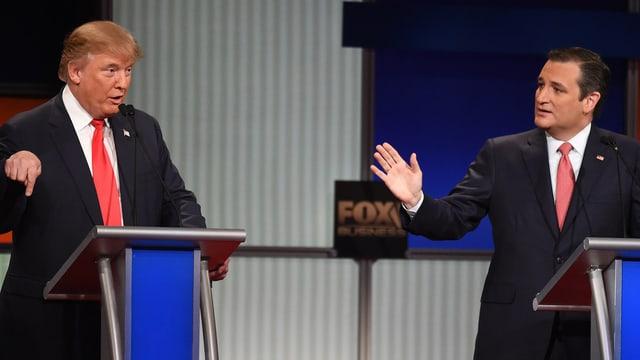 Donald Trump (san.) e Ted Cruz (dre.)