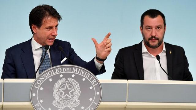 Premierminister Giuseppe Conte (links) und Matteo Salvini