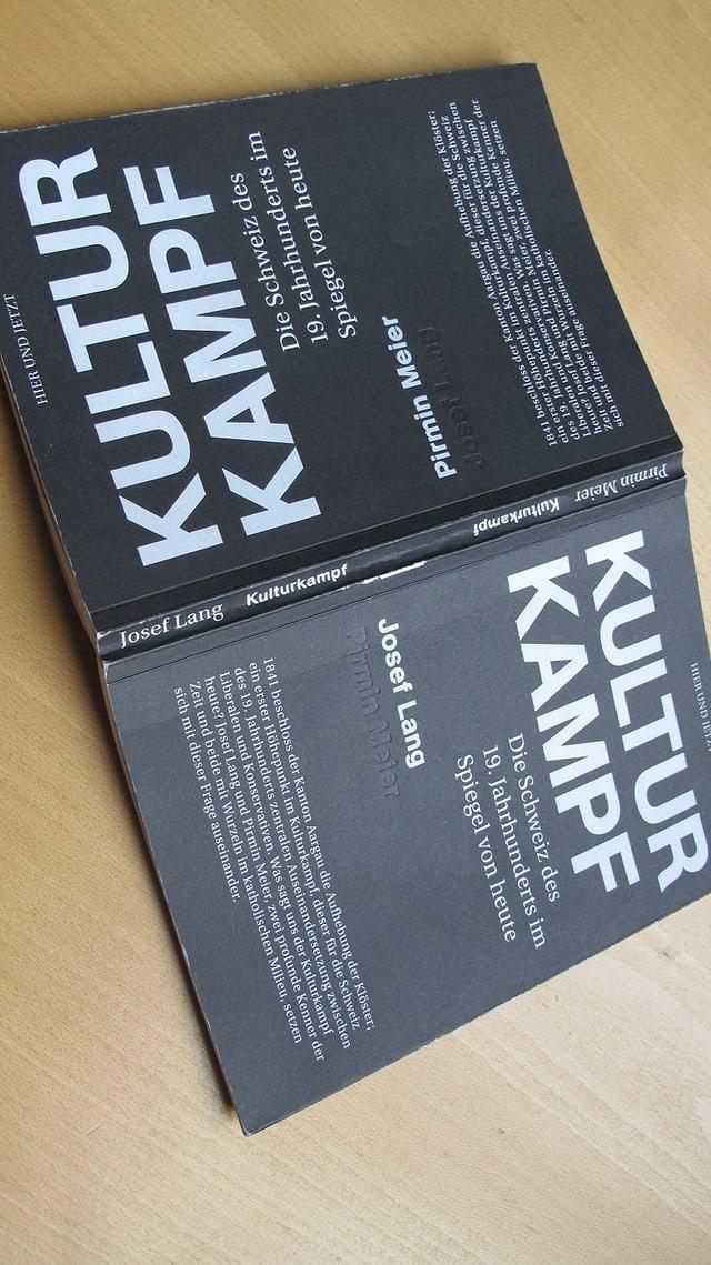 Das Buch «Kulturkampf» von Josef Lang und Pirmin Meier.