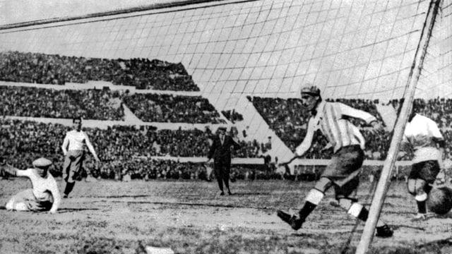 Uruguay geht gegen Argentinien 1:0 in Führung.