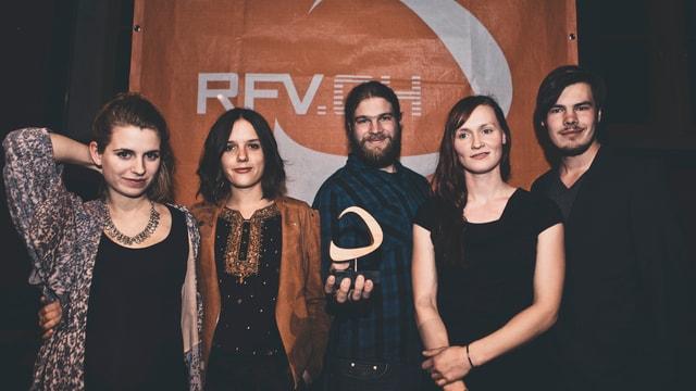 Die fünf Bandmitglieder von Serafyn