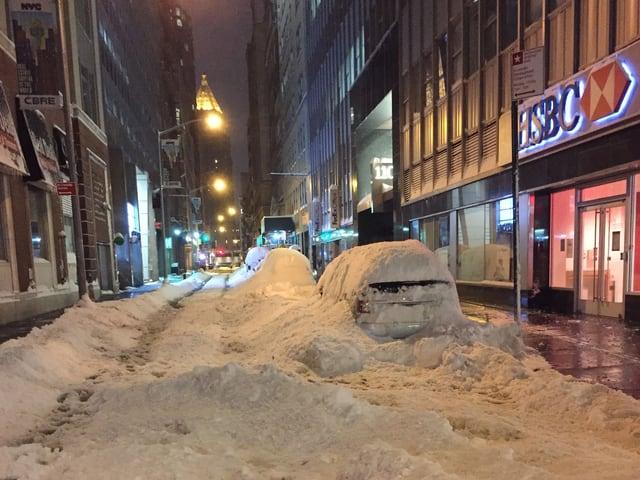 Schneebedeckte Strassen in New York.