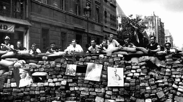 Widerstandskämpfer in Paris kurz vor der Befreiung der Stadt.