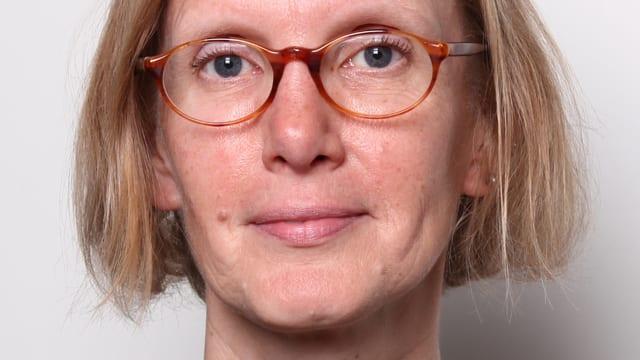 Portät Alice Henkes