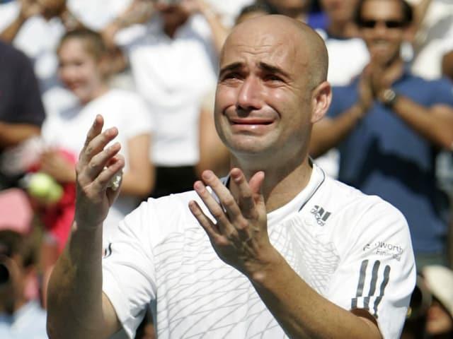 Die Tränen nach dem letzten Auftritt: Andre Agassi nach seinem Ausscheiden an den US Open 2006.