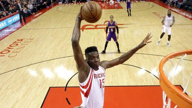 Die Rockets mit Clint Capela wollen den Favoriten ein Schnippchen schlagen.