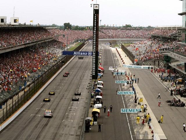 Nur die drei Teams mit Bridgestone-Reifen starteten 2005 zum GP USA.