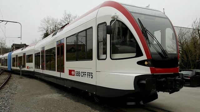 Zug der Seetalbahnlinie.