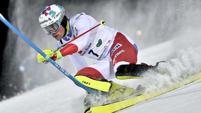 Skiunz tar ina cursa da slalom