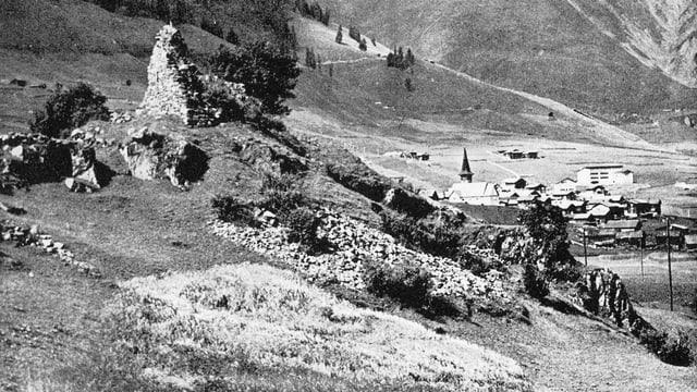 Restanzas da la Ruina da Putnengia sut Dieni en Val Tujetsch