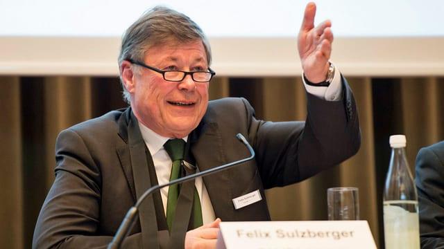 Felix Sulzberger bei Vorstellen der Halbjahreszahlen.