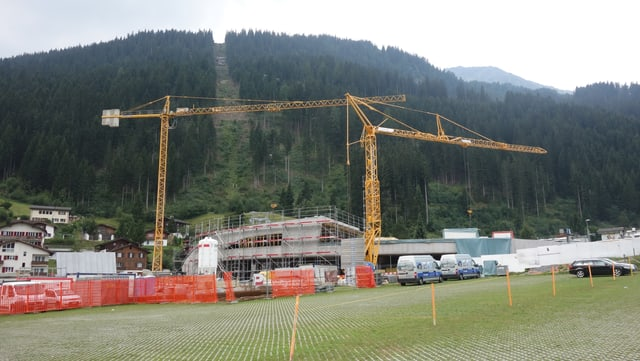 La nova staziun a Val Heidbüel survegn tera ina ustaria ed ina butia.