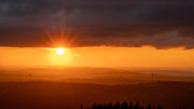 Sonnenuntergang am Samstag auf dem Chasseral.