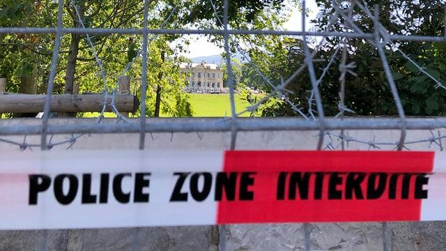 Der Park zur Villa La Grange ist bereits grossräumig abgesperrt.
