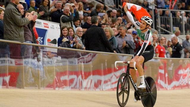 Claudio Imhof auf dem Rad