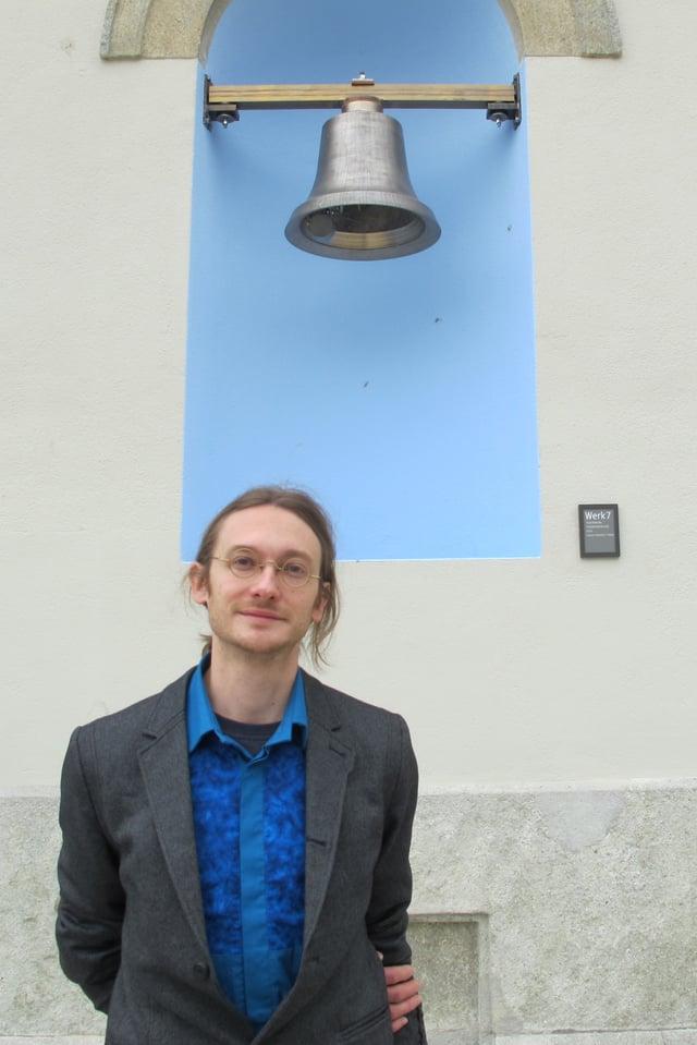 Der Küttiger Künstler Lorenz Schmid hat das Glockenspiel am KV-Schulhaus Aarau entworfen und gestaltet.