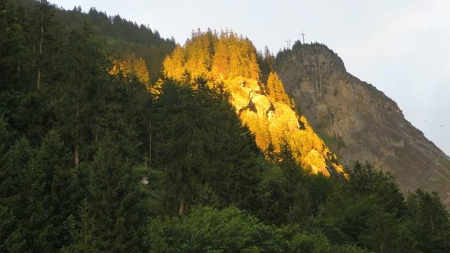 Berggipfel in der Abendsonne.