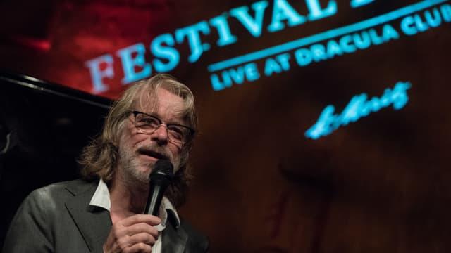 Helge Schneider sin il palc al festival da jazz.
